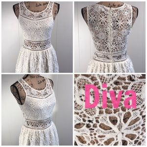 Diva-Ivory Lace Fit/Flare Sleeveless Dress. 🐚🐚🐚